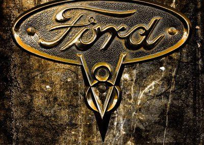 Ford V8 Insignia